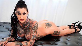 Alt Tattooed Janey Doe Wants Sex All Day