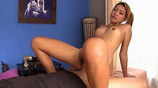 Massage Table Sex With Young Pretty Thai Girl
