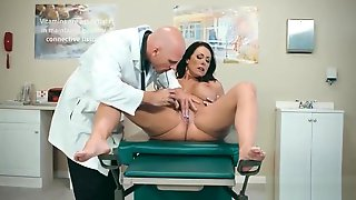 Horny Patient (Reagan Foxx) And Doctor In Hard Sex Adventures Mov-20