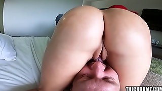 Bubble Butt Blonde Twerking At Ball Park Sits On Guys Face