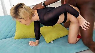 Hot Pattaya Ladyboy Get Fuckled By BBC