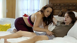 Chanel Preston Likes To Fuck With Her Young Neighbor Without Mercy