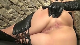 Leather Lover 31