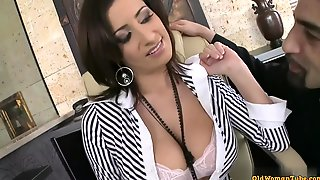 Big Mammaries Secretary Copulation With Her Raunchy Boss