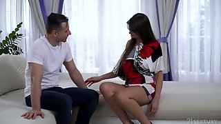 Massage Boy Knows How To Make Sexy Babe Victoria Velvet To Try Anal Sex For The First Time