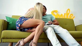 Russian Blonde Lara Onyx Enjoys Passionate Fucking