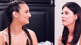 India Summer, Dana Dearmond & Eliza Ibarra - Lesbian Porn