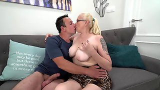 Old Female Invites Teen Guy For Hot Anal Experiments