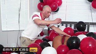 Brazzers Mary Jean Zach Wild Mary Jeans Balloons