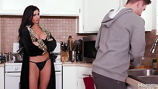 Naughty Mommy Melissa Fucked With Stepson