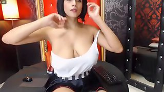 Latina Downblouse Cam