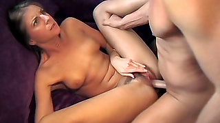 Insanely Horny Girlfriend Gets Fucked
