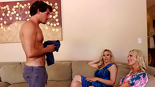 Magnificent Cougars Julia Ann And Emma Starr Have A Sex Drive Of Teens
