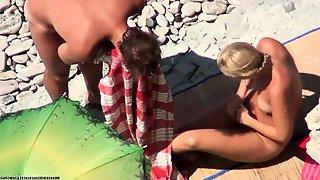 Amateur Whore Fist Fucked On A Public Beach