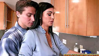 Jay Fucks Melissas MILF Pussy From Behind