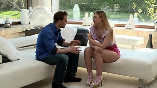 Thick Russian Beauty Selvaggia Just Loves FFM Threesomes