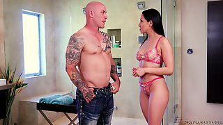 Skilled Masseuse Vicky Chase Gives A Nuru Massage And Bangs New Client