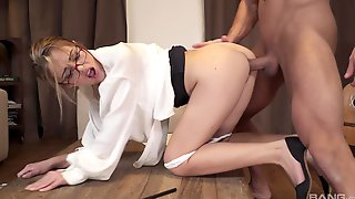 Woman With Sexy Glasses, The Deepest Fuck She Ever Had Causes Her The Orgasm