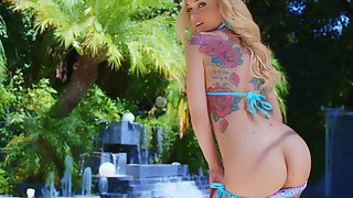 Hardcore Sex By The Pool With Amazing Blonde Pornstar Kali Roses