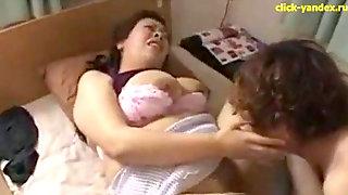 Japan Plumper Mom