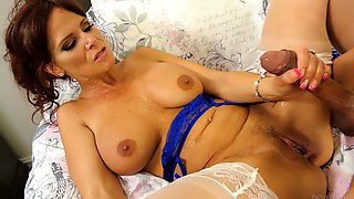 Watch As Mature Lady Syren De Mer Gets Fucked Balls Deep In Her Cunt