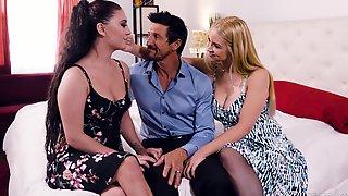 Intense Threesome Sex With Charming Sarah Vandella And Jojo Kiss