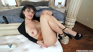 Mature Lady Penny Barber Plays With A Vibrator And Gets Fucked