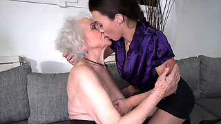 Sexy Brunette Tiffany Doll Gives A Hot Gift To The Old Norma B
