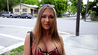 Gorgeous Jeanie Marie Sulivan Gets Picked Up And Fucked POV