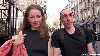 Mlanie Teste Lincroyable Gland De Lait - Group Sex