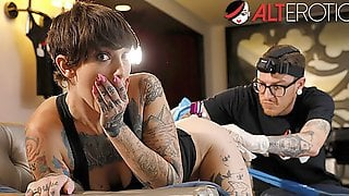 Sully Savage Has Her Pussy Tattooed While Being Ass Fucked