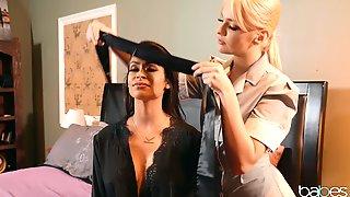Facesitting Is Fascinating With Dominant Lesbian Katana Kombat
