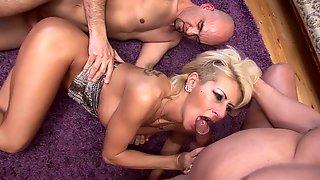 Tutti Frutti Katie And 2 Dicks Premium Video HD