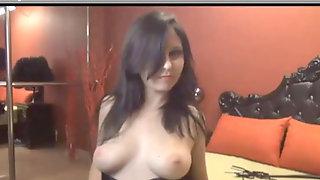 Hot Dark-haired Smoking & Toying On Web Cam