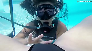 Underwater Pussy Licking Is A Bucket List Item And The Girls Are Spicy Hot