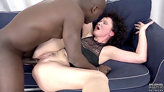 His Immense Ebony Cock Makes The Mature Housewife Have Orgasms
