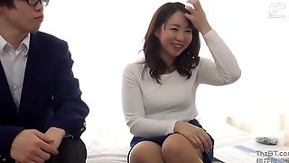 Asian Mature Seduced Younger Boy To Make Love