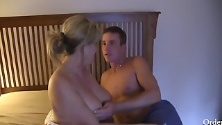 Son Wakes And Fuck Mom