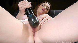 Amazing Looking Milf Chanel Preston Pleasures Her Juicy Pussy