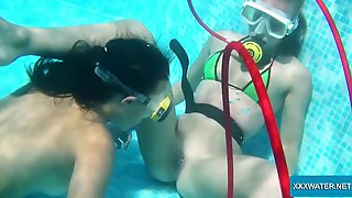 Extremely Wild Scuba Diver Minnie Manga Uses A Dildo For Polishing Cunt Underwater