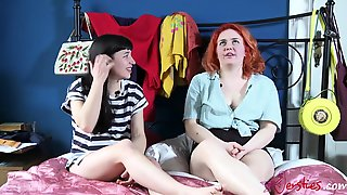 Lesbian Amateurs Have Sex Games Reality Party