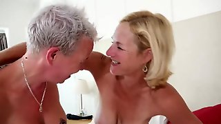 Wild Amateur Mature Whores With Big Boobies Passionately Blow Cock