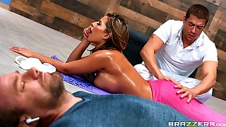 Oiled Ass Cougar Leaves Masseur To Fuck Her A Few Rounds