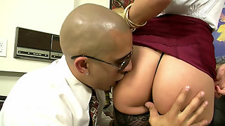 Kennedy Leigh Gets Rocked By A Giant Cock In Her Office