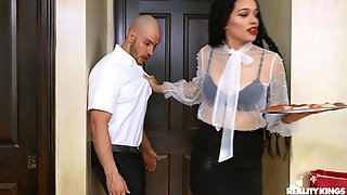 House Maid Julie Kay Seduced A White Guy And Had Sex With Him