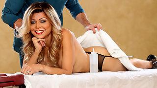 Sexy Shemale Johanna B Having A Good Massage