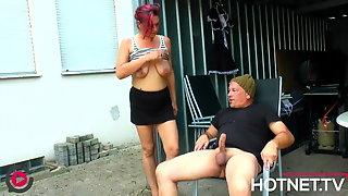 Notgeiler Hausmeister Fickt Angestellte Im Hinterhof - Outdoor German Porn