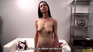 Amateur MILF With Saggy Tits Porn Casting