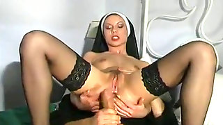 Muddy Nuns (2003) Total Flick