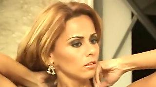 Viviane Araujo Sexy 2002
